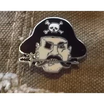 Jolly Roger Pirate Captain Hat Jacket Lapel Pin